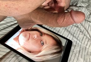 Tribute if EATNMUF. Love to see his big balls near my face. Sweet french ki...