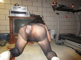Pantyhose holds dildos in place nicely