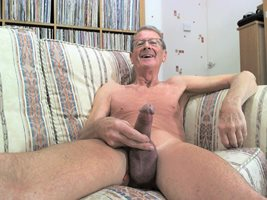 How I like to appear here in the video Chatroom, care to join me ?