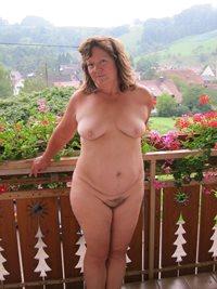 Being nude on a B&B balcony