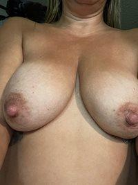 Like My Pics Make My tits break the video chat again lol