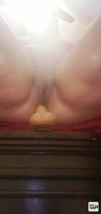 BBW using dildo on ass